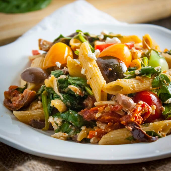 See How Easily You Can Cook Like A Modern Vegan Chef-Penne_Pasta_Salad_with_Spinach_and_Tomatoes[1]